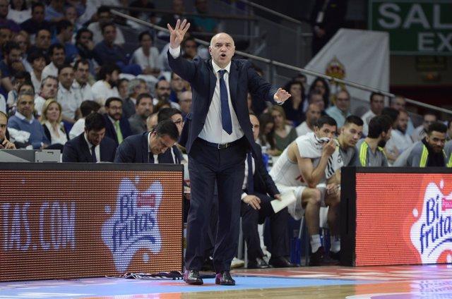 Pablo Laso (entrenador del Real Madrid)  en el Real Madrid - Valencia