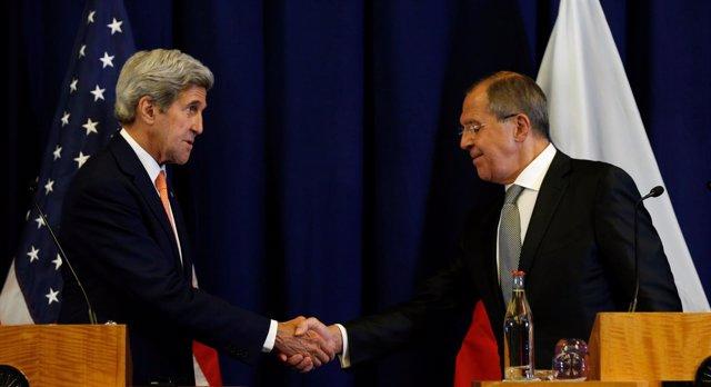 Kerry y Lavrov tras la firma del acuerdo sobre Siria