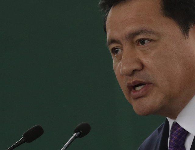 Miguel Ángel Ososrio Chong.