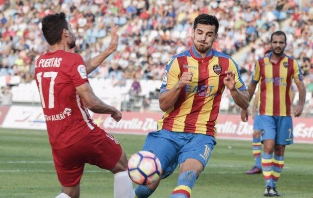 Empate entre Almería y Levante