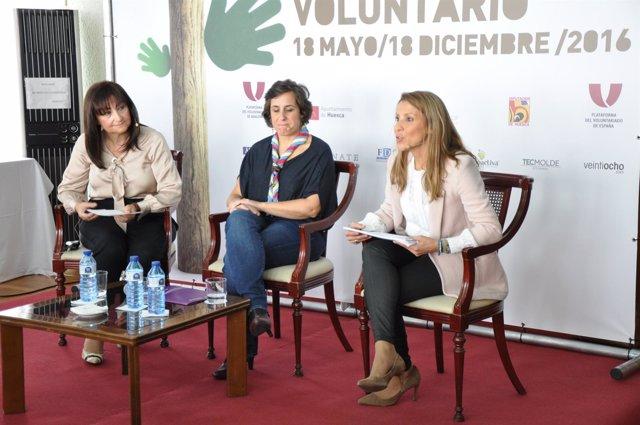 Amanda Copete un una jornada de voluntariado en Huesca