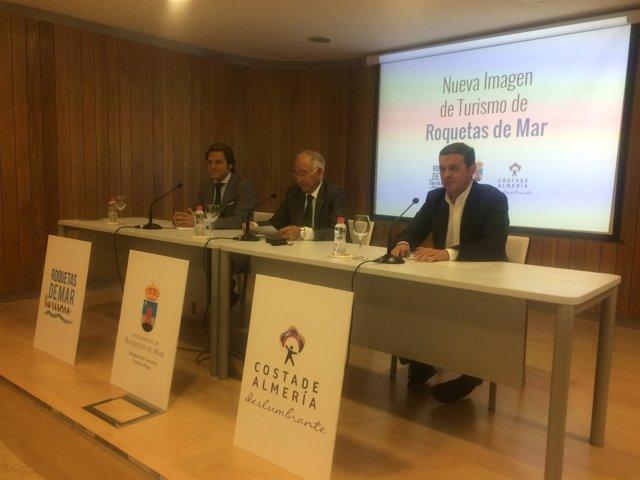 Roquetas de Mar presenta su nueva imagen promocional.