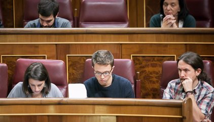 """Irene Montero: """"A las momias que ahora mandan en el PSOE no les gusta la democracia"""""""