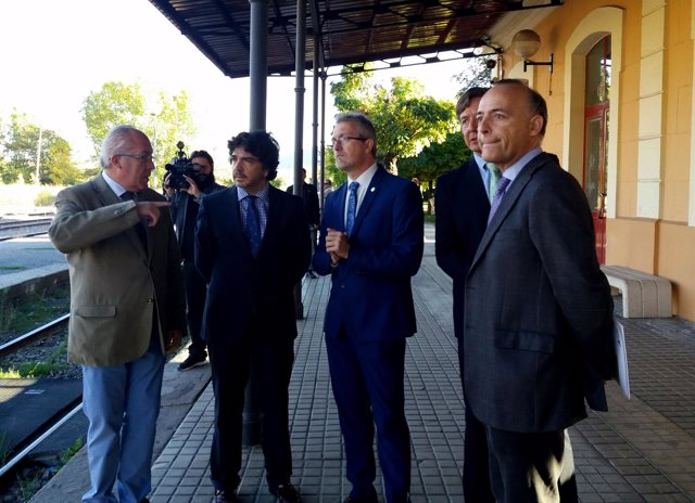 Nota Fomento: El Subsecretario De Fomento Visita La Estación De Jaca (Huesca)