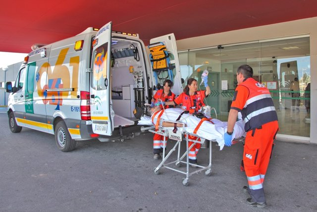 Imagen de una ambulancia del 061
