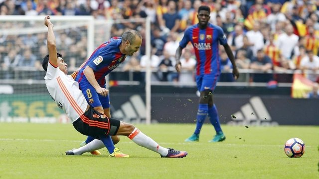 Andrés Iniesta Enzo Pérez Barcelona Valencia