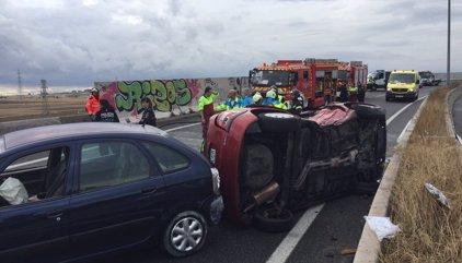 Una mujer de 76 años muerta y tres hombres heridos al chocar dos turismos en Fuenlabrada