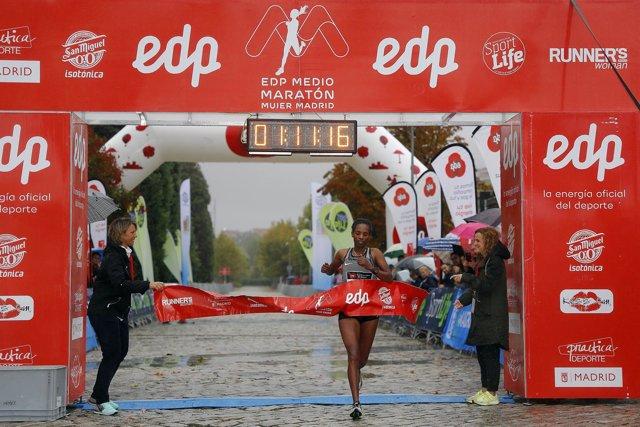 Tejitu Daba EDP Medio Maratón de la Mujer de Madrid