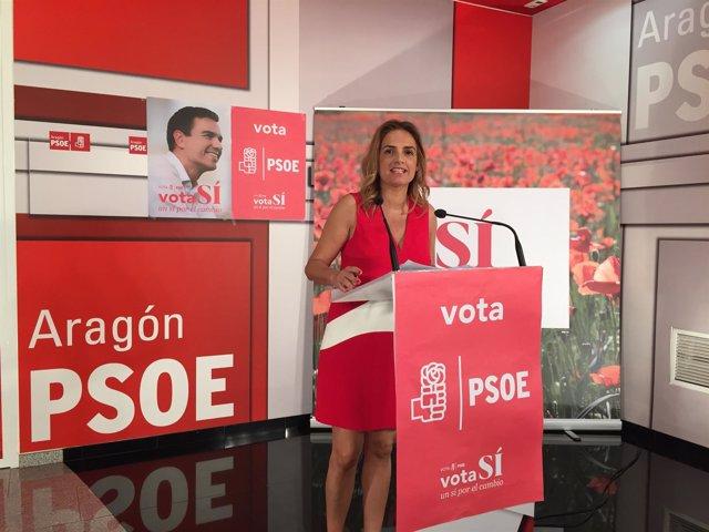 La candidata del PSOE, Susana Sumelzo, en rueda de prensa en Zaragoza