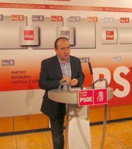El Secretario De Organización Del Pscyl, Pedro José Muñoz