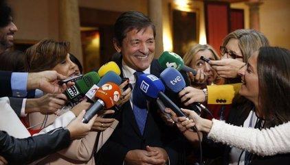 Javier Fernández diu que la decisió del Comitè Federal sobre l'abstenció és imperativa