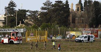 Mueren cinco franceses tras estrellarse un avión durante el despegue en...