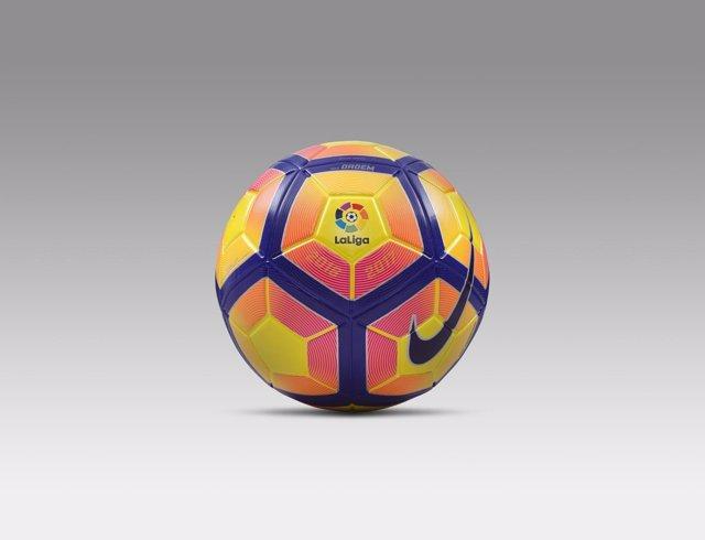 Balón Nike amarillo de invierno de LaLiga