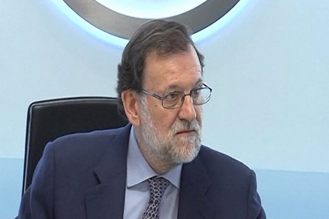 Rajoy ya prepara su discurso de investidura