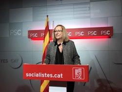 El PSC descarta trencar amb el PSOE i li demana