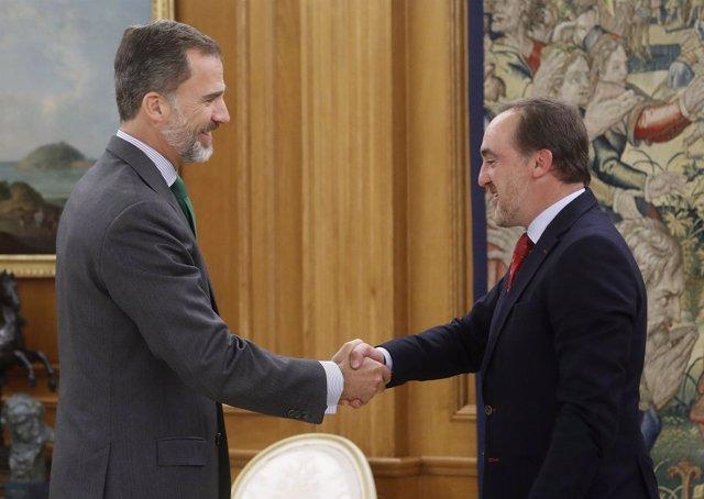 El rey Felipe VI recibe en el Palacio de la Zarzuela al presidente de UPN