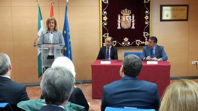 Fátima Báñez presentanto la ITI Empleo Cádiz