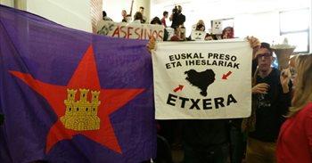 Más de un millar de estudiantes y profesores de la Autónoma firman un...