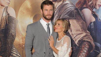 Chris Hemsworth responde a los rumores de crisis con Elsa Pataky y la actriz le contesta