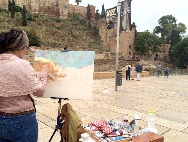Una participante en el concurso de pintura al aire libre organizado por el MPM.