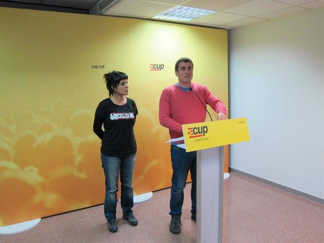 El miembro del Secr.Nacional de la CUP Quim Arrufat y la diputada Anna Gabriel