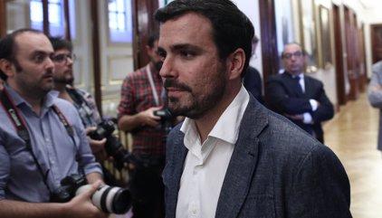 Alberto Garzón anuncia que irá a la manifestación contra la investidura de Rajoy