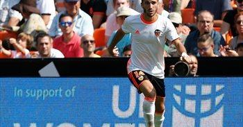 El Valencia confirma que Gayà sufre una lesión muscular leve en el muslo...