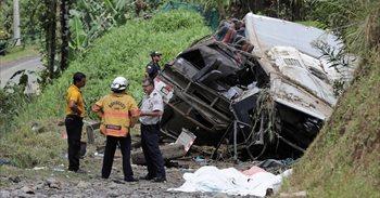 El accidente de autobús en Costa Rica ya suma 14 víctimas mortales