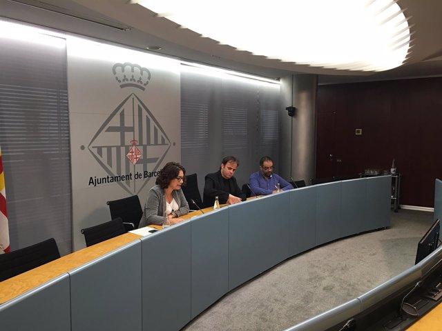 Laura Pérez, Jaume Asens y Rodrigo Araneda