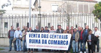 Trabajadores de Ferroatlántica exigen a Feijóo una reunión para que...