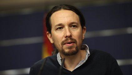 Pablo Iglesias defiende la protesta contra la investidura pero evita respaldar su lema
