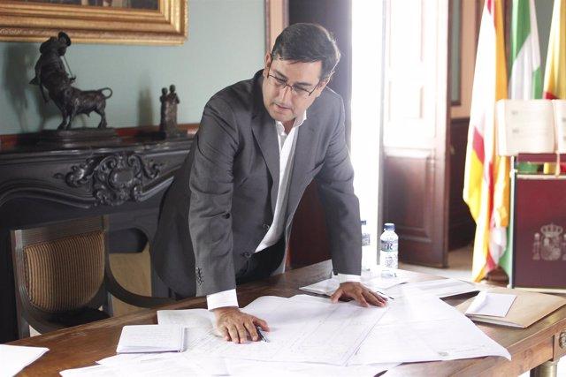 José María Villalobos.