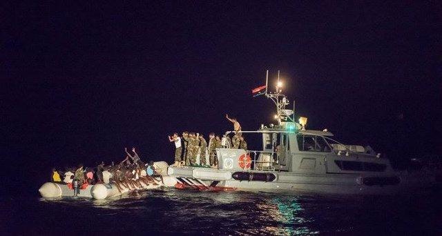 Las fuerzas libias interceptan una patera con inmigrantes