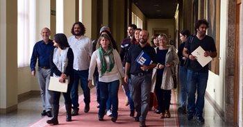 Villares pide que En Marea compense el salario que perdió desde que fue...