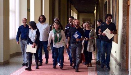 Villares pide que En Marea compense el salario que perdió desde que fue elegido candidato