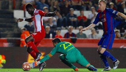 El Espanyol tumba al Barça en una gris Supercopa de Catalunya