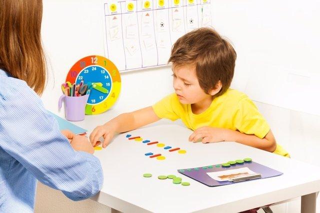 Autismo, niño, terapia