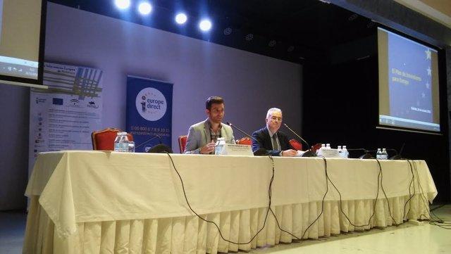 Torralbo (izda.)  y Sánchez, durante la inauguración de la jornada
