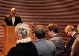 Romeva explica la hoja de ruta independentista en el Parlamento de Finlandia