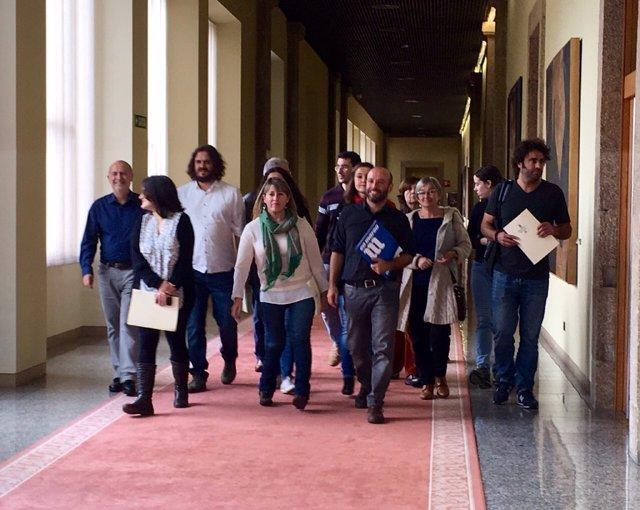 Los diputados de En Marea entregan sus credenciales