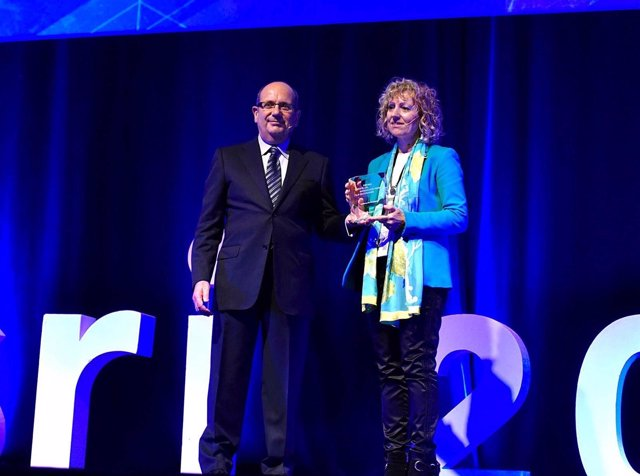 Díaz Tezanos recoge el Premio ESRI 2016