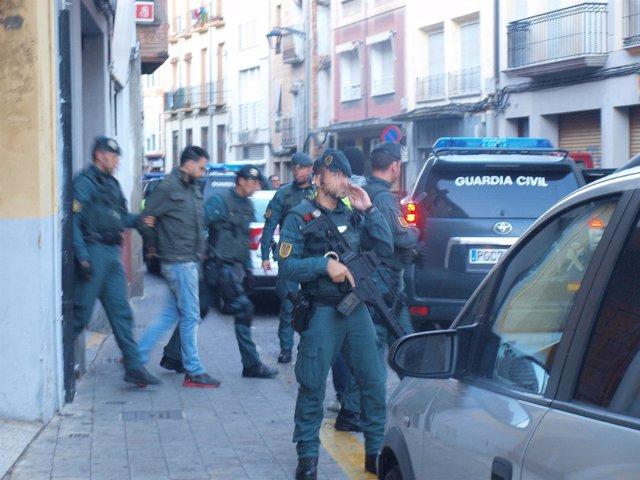 Momento en el que sale el presunto yihaidismo detenido en Calahorra