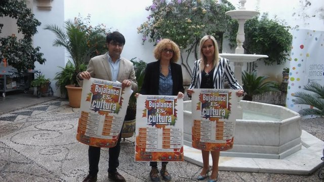 Ruz (centro), durante la presentación de 'Bujalance es Cultura'