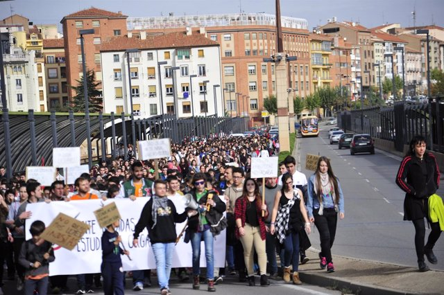Protesta de estudiantes en Teruel contra la LOMCE y las reválidas