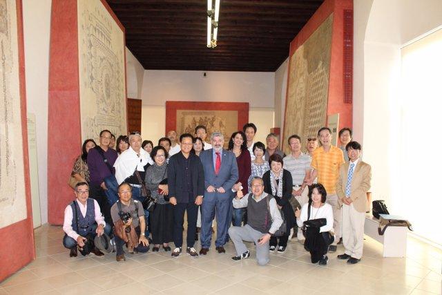 Foto de familia de los agentes de viaje japoneses.