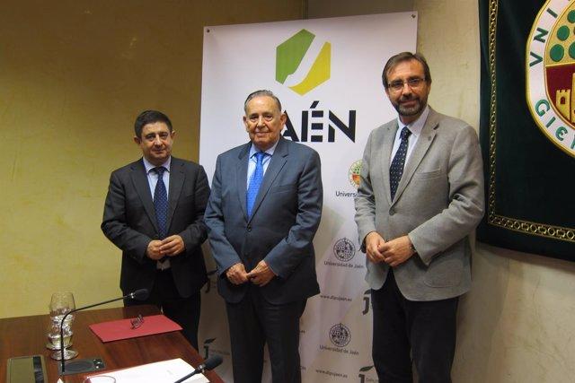 Francisco Reyes, Alejandro Rosales y Juan Gómez en la presentación de 'De Jaén'.