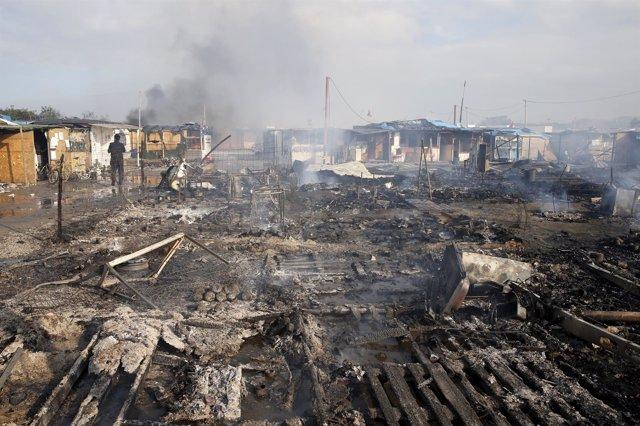 Restos del campamento de inmigrantes de Calais