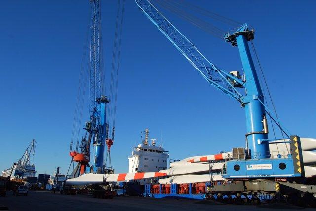 Foto mercancías puerto de Ferrol