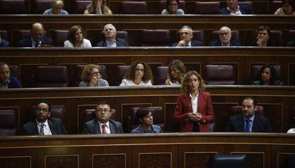 Una dotzena de diputats del PSOE comuniquen que no s'abstindran