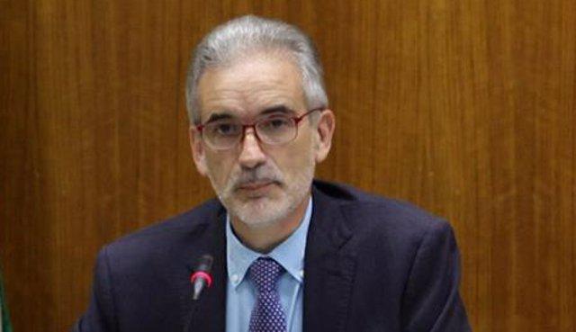 El consejero de Salud, Aquilino Alonso, en comparecencia parlamentaria